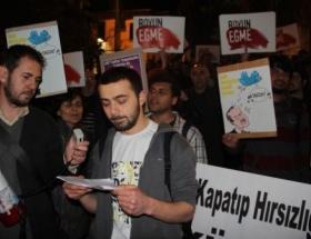Twitter yasağını yürüyerek protesto ettiler