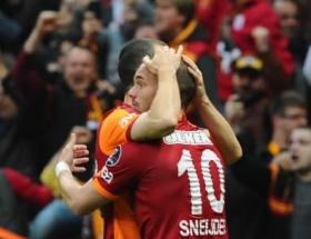 Sneijder siftah yaptı!