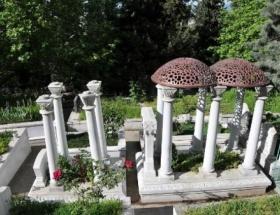 Zeki Mürenin babasının mezarı soyuldu