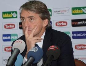 Mancini, Cüneyt Çakırı bombaladı!