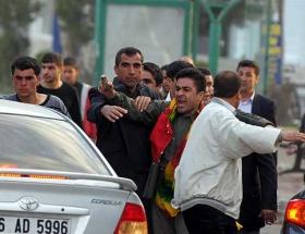 Taş atan vekil PKKya terör örgütü dedi
