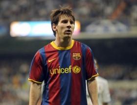 Messi Barcelonayı ipten aldı