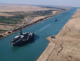 Süveyş Kanalı gelir rekor kırdı