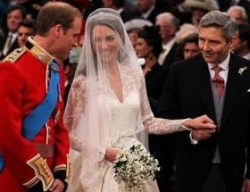 Uzaydan yeni evlilere kutlama