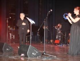 Livaneli siyaset defterini kapattı