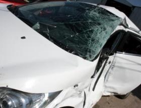 Karacabeyde düğün dönüşü kaza: 2 ölü