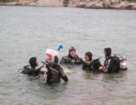 19 Mayıs için öğrencilerle dalış yaptılar