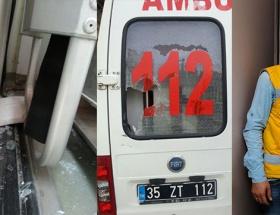 Ambulans şemsiyeye çarptı diye!
