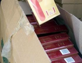 Kamyondan 106 bin paket kaçak sigara çıktı