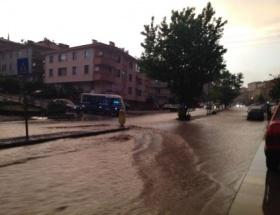Ankarada yağmur sele neden oldu