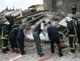 14 dairelik bina hasar gördü