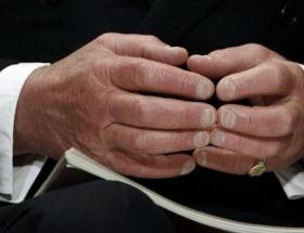 Kim bu ellerin sahibi ?