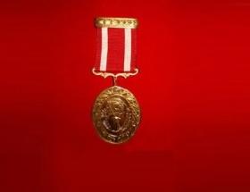 Kore Gazisine madalyası verildi