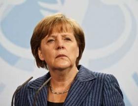 Merkelde aşırı sağ endişesi