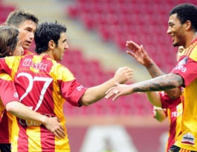 Galatasaray düşene vurdu!