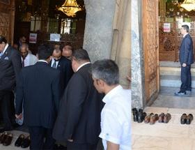 Mevlana Müzesinde ayakkabı krizi!