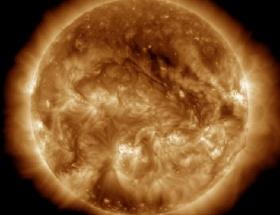 Güneşte dev patlamalar!