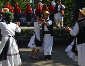 Romanyada renkli festival