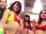 Havayolu şirketinin bikinili kampanyasına tepki