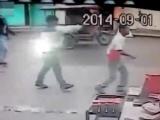 Yolda yürüyen adamı kafasından vurdular