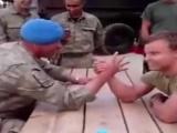 Hollandalı Zico Türk Feriduna karşı