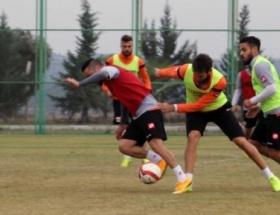 Adanaspor tempo artırdı