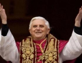 Papa astronotlarla konuşacak