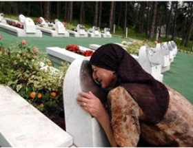 Srebrenitsa şehitleri anıldı