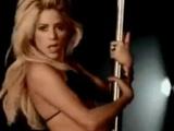 Shakira son klibinde striptiz yaptı