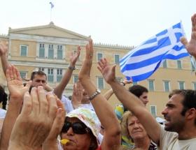 Yunanistanda 2012 bütçesi onaylandı
