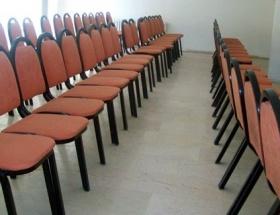 Boş sandalyelere konuştular