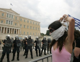 Yunanistanda hayat duracak