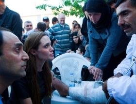 Angelina, Esadların kankası çıktı