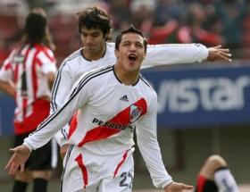 Alexis Sanchez Barcelona yolcusu