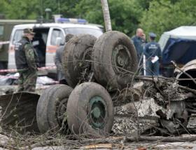 Askeri uçak düştü: 78 ölü