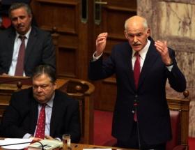 Papandreu güvenoyu aldı