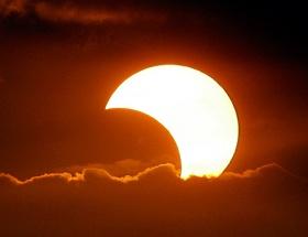 Ay 3, Güneş 2 kez tutulacak