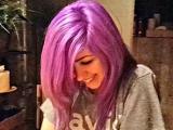 Bu Saç Ne Renk? Mavi mi, Mor mu Yoksa Pembe mi?