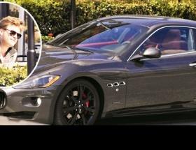 Kıvançın Maseratisine çarptılar