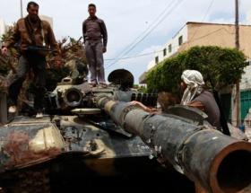 Libyalılar şehitlerine ağlıyor