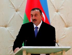 Aliyev onuruna akşam yemeği