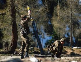 Havan topu 4 askeri yaraladı