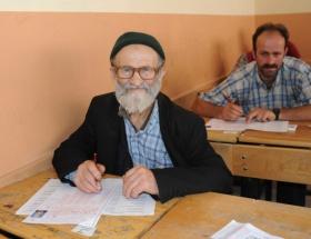 75 yaşında ehliyet sınavında