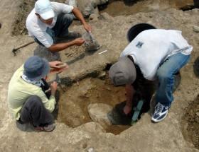 Sondaj kazılarından mezarlık çıktı