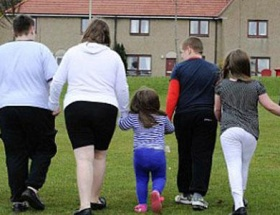 Obez çocuklar ailelerinden alındı