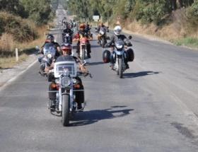 Motosikletle dünyayı dolaşıyorlar