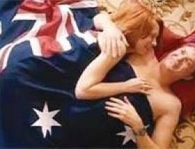 Bayrak altında seks yana Başbakan
