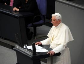 Papa, 5 ateisti davet etti