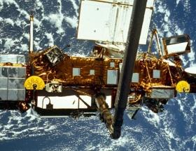 Alman uydusu Dünyaya düştü