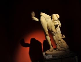 Yorgun Herakles huzura kavuştu